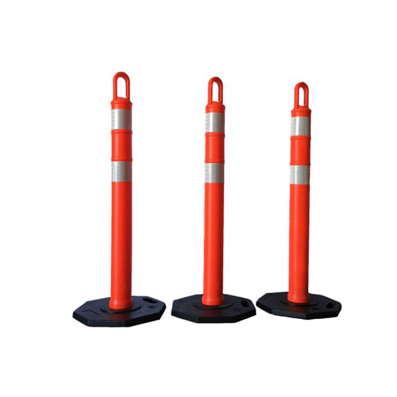 delineator-loop-barricades-ad-signs-0002_570