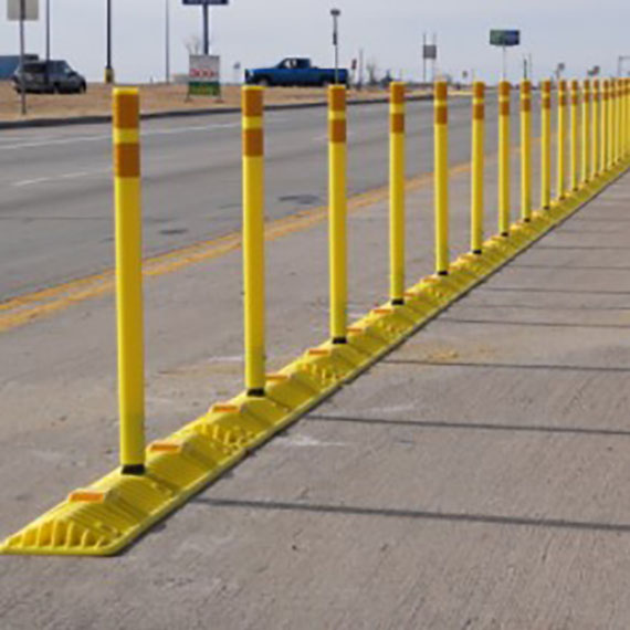 shur-curb-delineator-barricades-and-signs-0001_570